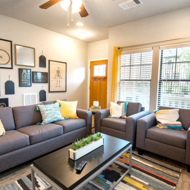 student housing complex Aspen Heights - College Station living area